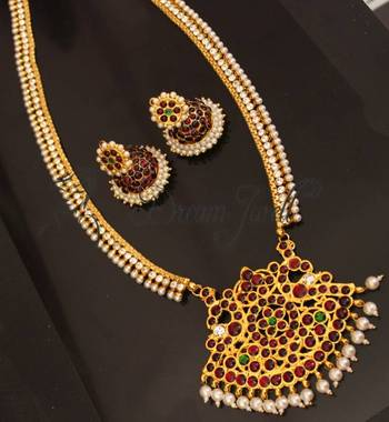 GORGEOUS GOLD PLATED PEARL ROYAL TEMPLE HAAR SET