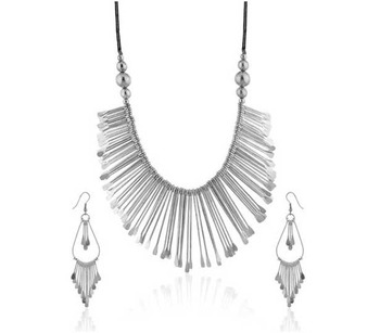 Bold Silver Sikes Traditional Necklace