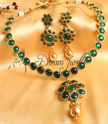 GORGEOUS GREEN KEMP ANTIQUE NECKLACE SET