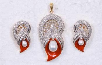 American Diamond Pearl & Rust Meena Pendant Set
