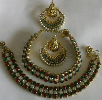 Designer Traditional Earings with Stylish Anklets