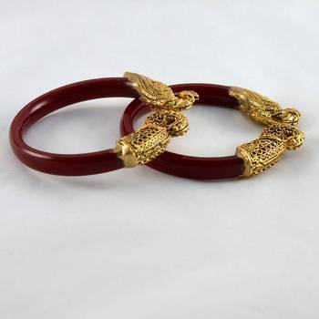 Exclusive stretchable bangles 21cut  colour red