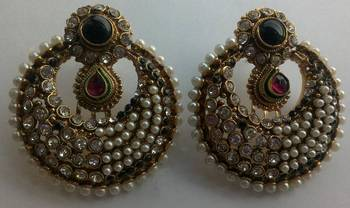 Designer Earings with Elegant look
