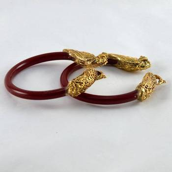 Fab stretchable bangles colour red