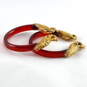 Elagant stretchable bangles 21cut trans red
