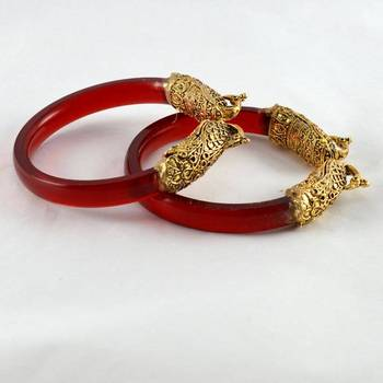 Fabulous stretchable bangles 21cut trans red