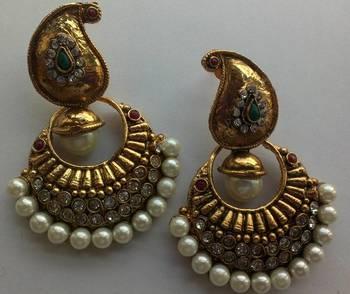 Designer Earings with Elegant look