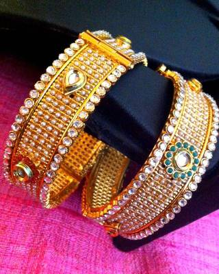 Pair of 2 bangles,golden finish with kundan work very ethnic adjustable maroon green stone pearl kada bangle rj25