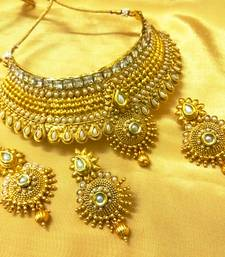 Buy Ethnic White Pearl Bridal Choker Necklace Set With Maang Tikka necklace-set online