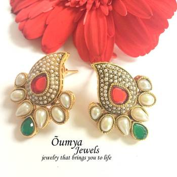 Pearl and kundan paisley earrings