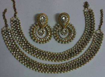 Designer Fancy Kundan Earings with Traditional Anklets