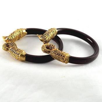 Wonderful stretchable 21cut bangles colour maroon