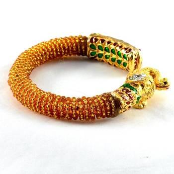 Designer stretchable bangles