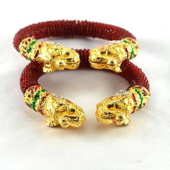 Striking meenakari stretchable bangles