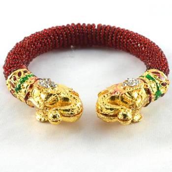 Trandy moti stretchable bangles