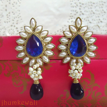 TILAK shaped PEARL earrings - ink BLUE