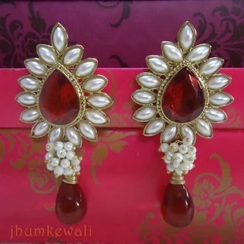 TILAK shaped PEARL earrings - RED