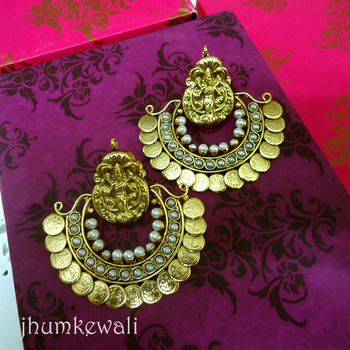 Temple Earrings - Bollywood style - Pearls