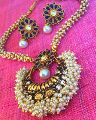 Pretty chandni pearls with blue stone pendant & bridal necklace sets with chandni pearls v309b