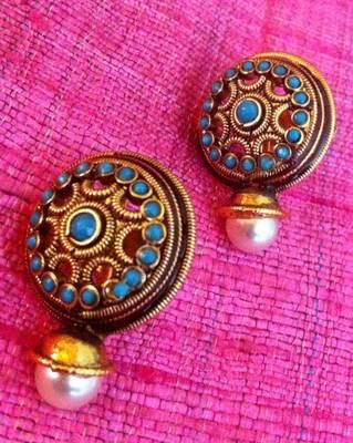 Fluorescent blue golden flower pearl stud earring v311o