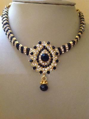 Excellent kundan multi stone necklace set - Black