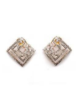 Square shape earring