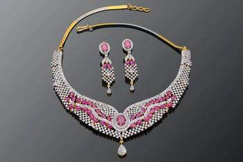 WHITE CZ N RED STONE STUDDED NECKLACE SET