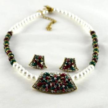 hm moti necklace with earing