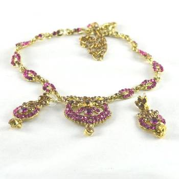 hm Gold platted stone necklace with earing