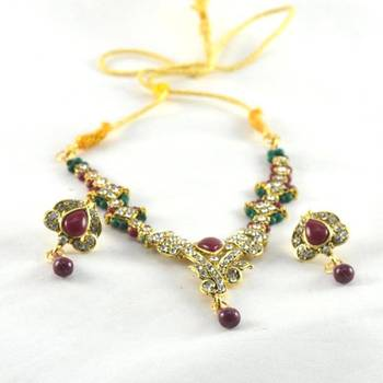 hm fashionable necklace with earing