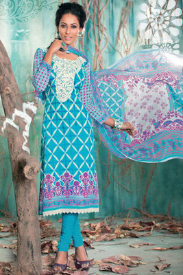 Refreshing Pink Georgette Salwar Suit Decorated With Resham Embroidery work