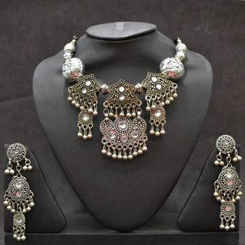 Silver Antique look Heavy Necklace Set