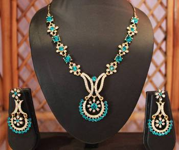 Blue and Golden Half Sun Necklace Set