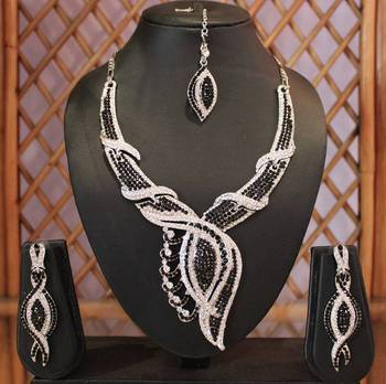 Black and Silver Twisted Necklace Set