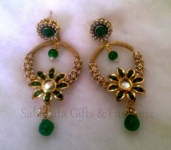 Green Flower With Faux Pearl Danglers