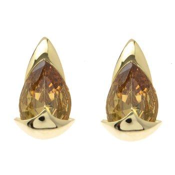 Attractive Stud earrings