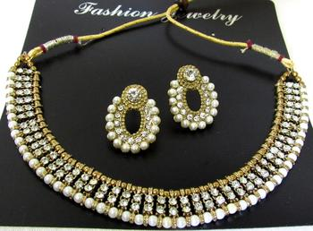 Antic white stone pearl necklace set