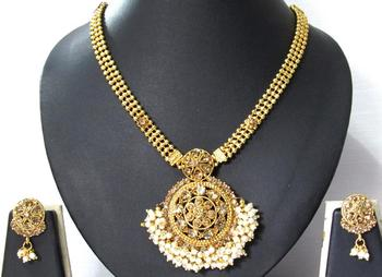 Golden Stone White ghungaru pendant necklace set