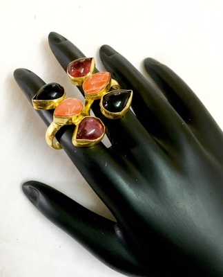 Stylish finger ring for women