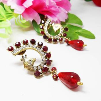 Victorian Curvy Peacock Earring Blood Red