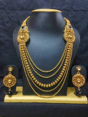 Conventional Haram Jewelry Set in High Gold Polish with Black Stones