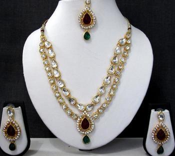 Maroon Green 2 line tilak stone necklace set