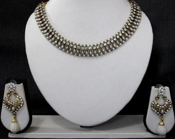 White stone pearl ball necklace set