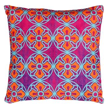 Delightful flower motif cushion cover