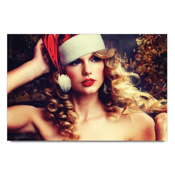 Taylor Swift In Christmas Cap Poster