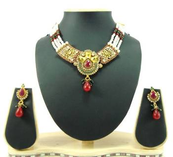 Choker style ruby emerald pearl gold tone necklace earring set k59