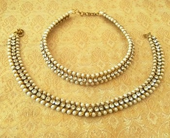 Preety white adustable diamond pearl payal anklets