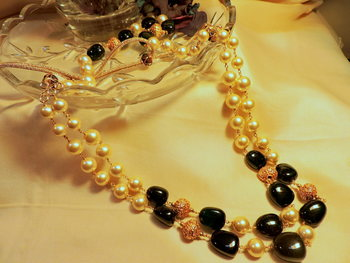 Trendy Two Layer Green Golden Balls Neckpiece