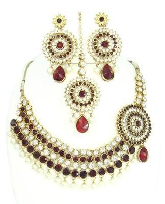 Dealtz Fashion maroon kundan pearl necklace set