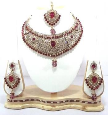 Dealtz Fashion hot pink designer necklace set